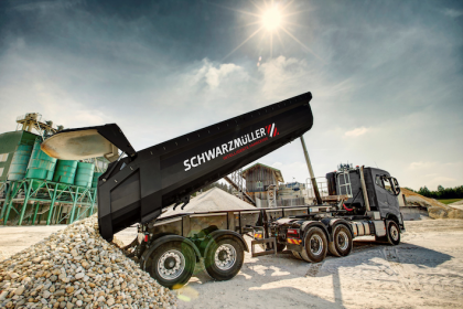 Schwarzmüller delivers all trailers ex works with telematics from idem telematics